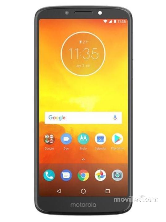 Fotografía grande Varias vistas del Motorola Moto E5 Play Go Bleu y Gris y Noir. En la pantalla se muestra Varias vistas