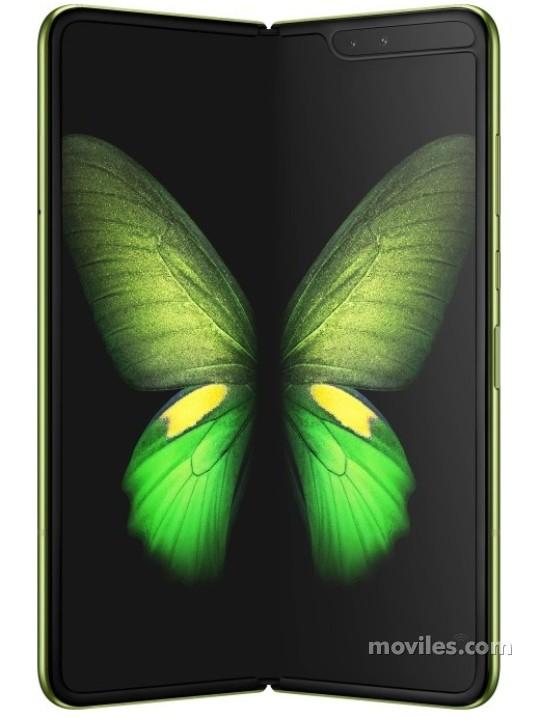 Fotografía grande Varias vistas del Tablet Samsung Galaxy Fold 5G Argent y Noir. En la pantalla se muestra Varias vistas